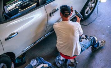 Małe naprawy lakiernicze – jak usunąć ubytki lakieru w domu?